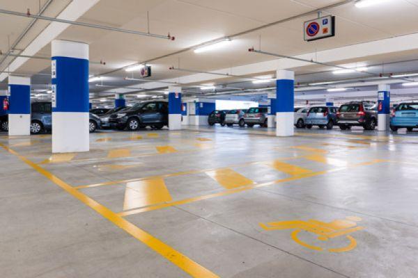 oznakowanie-poziome-garaze-parkingi-podziemne8C8A97DE-49A1-EEC3-7696-C4595601F965.jpg